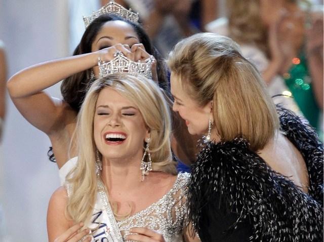 011511 Miss Nebraska becomes Miss America