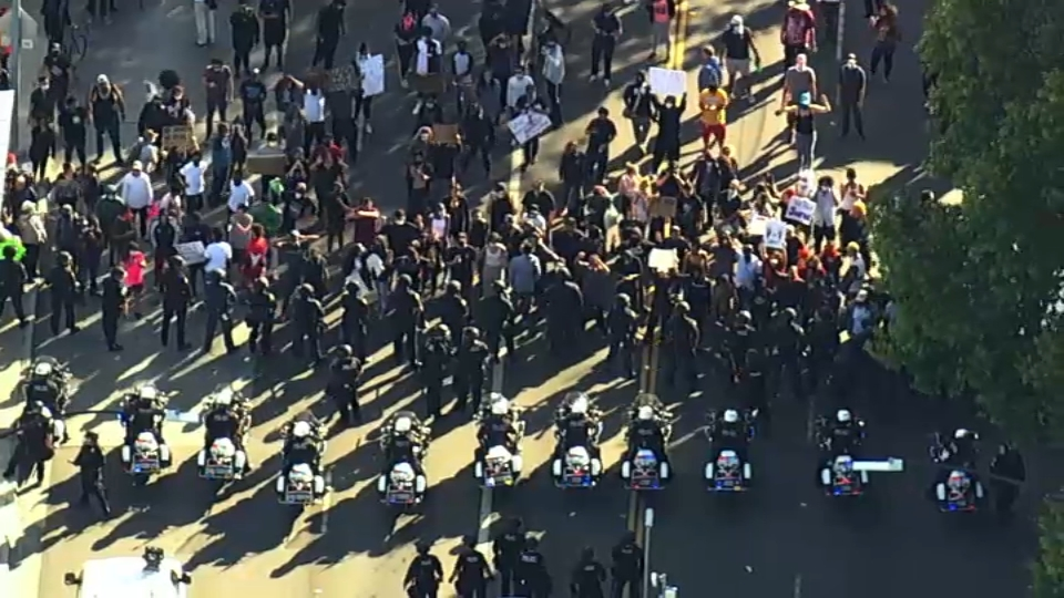 Demonstrators Protesting George Floyd S Death Clash With