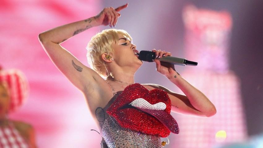 488489769SJ00007_Miley_Cyru