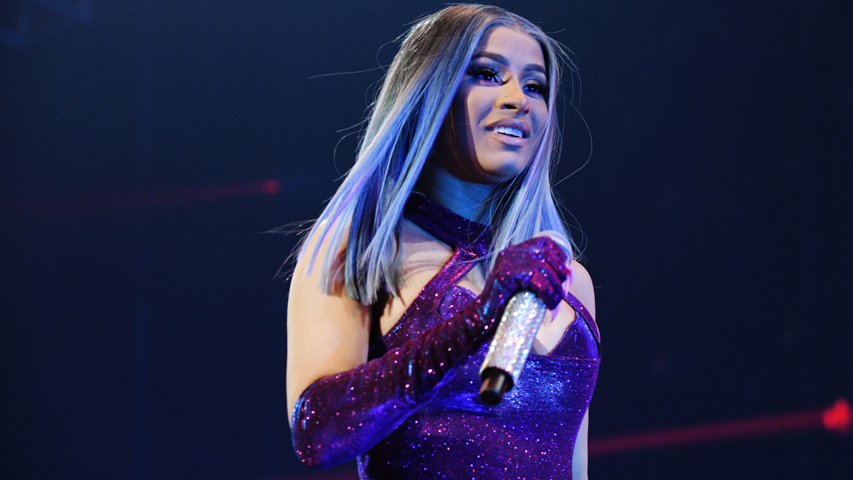Cardi B Rapping: Rapper Cardi B Postpones Indianapolis Concert Due To