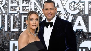 Jennifer Lopez and Alex Rodriguez may be looking to purchase a baseball team.