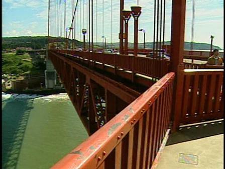 KNTV_Golden_Gate_Bridge_Barrier_Cont_051309_50_mezzn_448x336