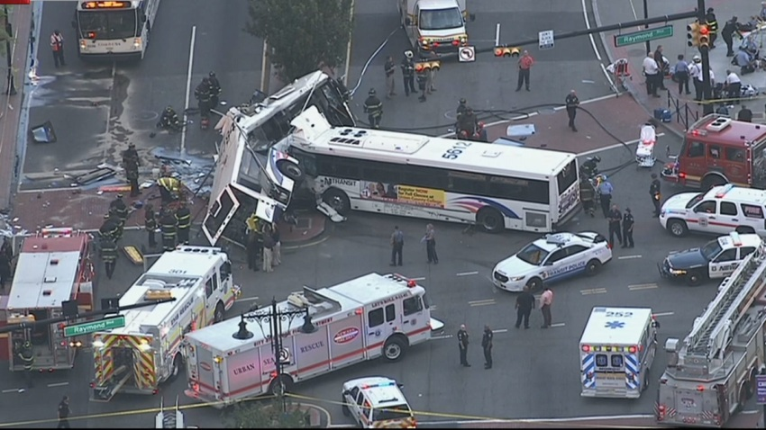 NEWARK BUS CRASH1