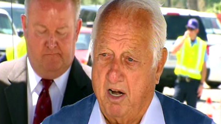 Sad Tommy Lasorda at fundraiser for Bryan Stow
