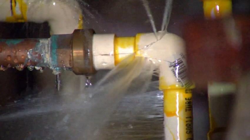 Water leak pipe burst spray generic