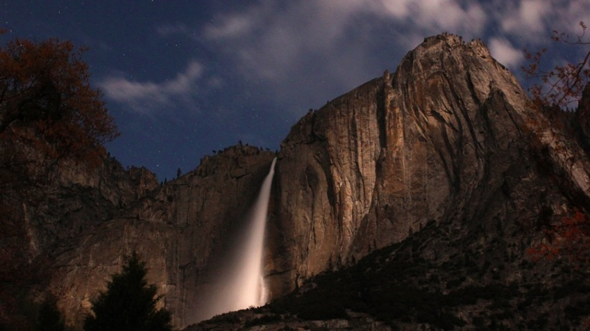 Yosemitefallsnight