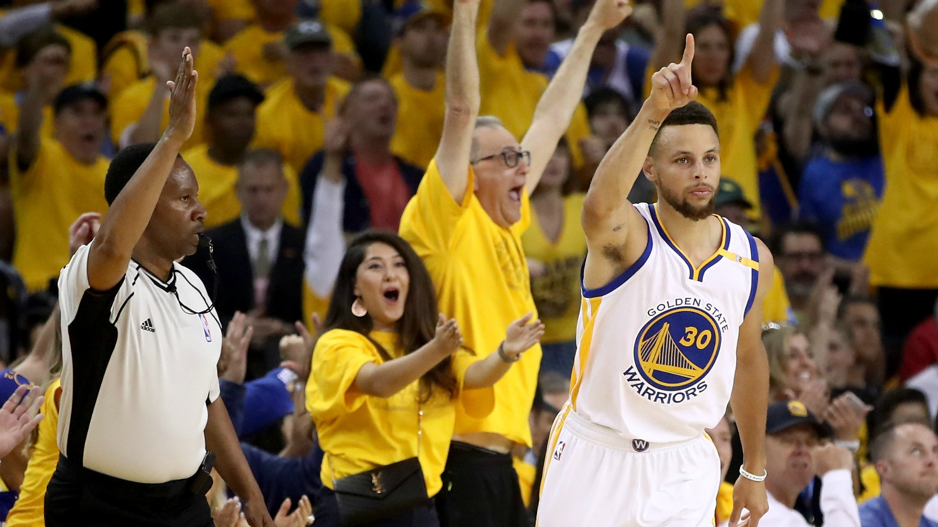 The Trilogy Warriors Run Away From Cavaliers In Game 2 Nbc Bay Area