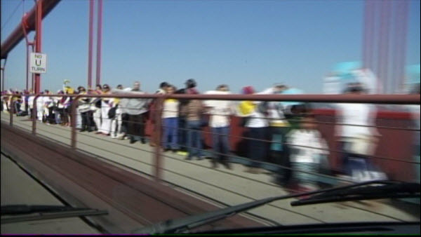 golden-gate-bridge-venezuela-protest
