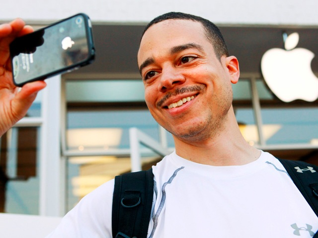 APTOPIX Apple iPhone