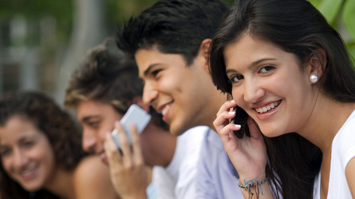 Latino-cell-phones