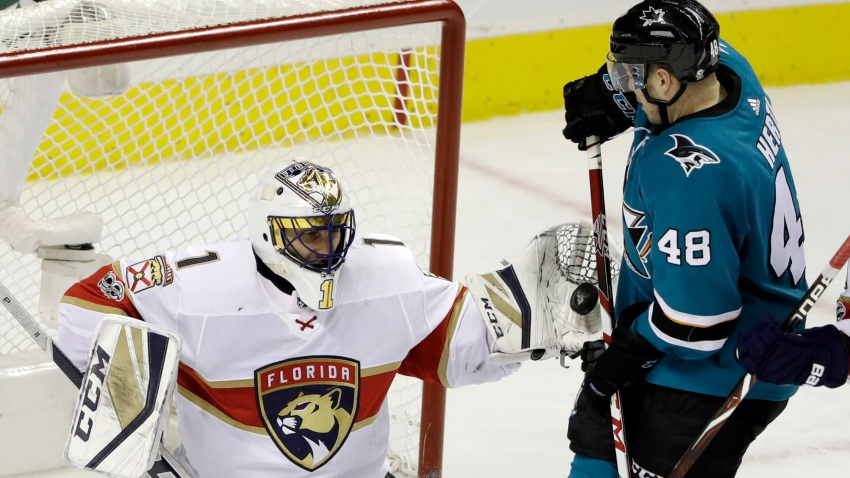 [CSNBY] Luongo picks up a career first in Panthers win over Sharks