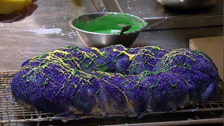 mardis-gras-king-cake-feb20