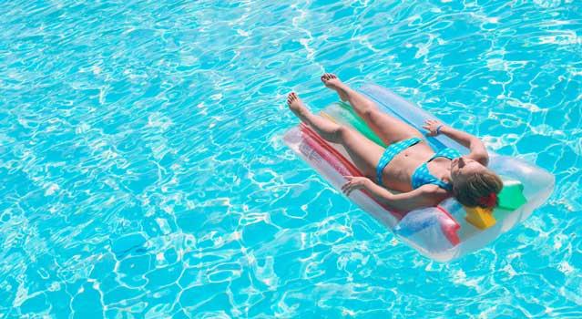 pool_vacation_sunbathe