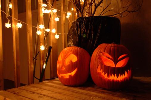 Halloween jack-o-lanterns at porch, close-up