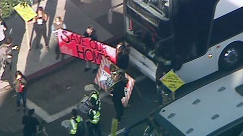 sf-tech-bus-protest