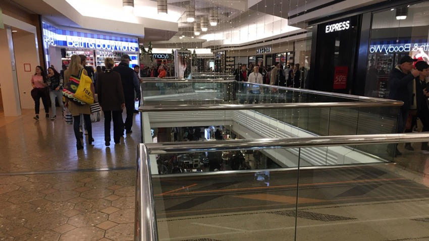 westfarms-black-friday-shopping