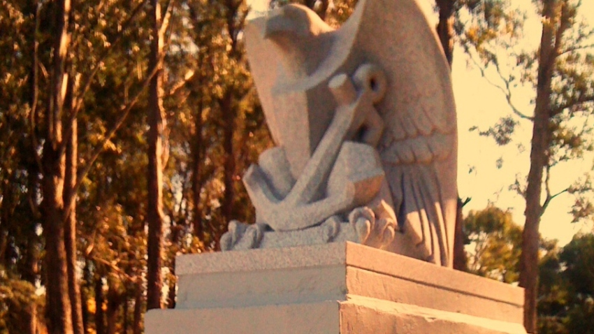 wwII_eagle_memorial