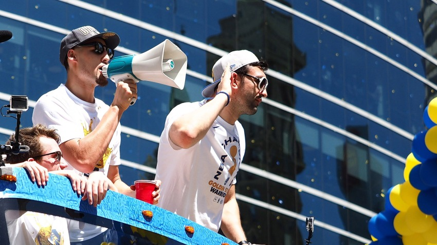 [CSNBY] Warriors' Klay Thompson gives Zaza Pachulia car as retirement gift