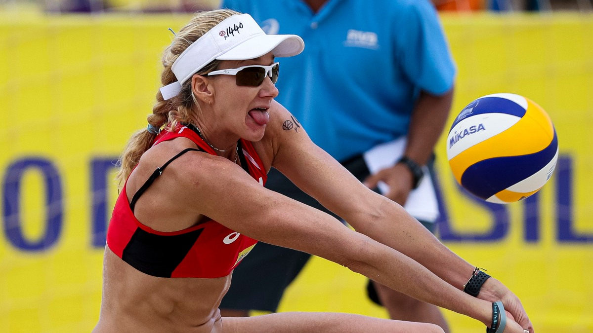 Olympian Kerri Walsh Jennings Says She Didn't Wear Mask to Store in 'Exercise of Being Brave'