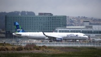 JetBlue Is the Latest Airline to Retreat From Blocking Seats