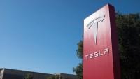 Tesla's Surge Puts Its Value at More Than Half a Trillion Dollars