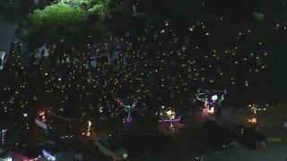 A crowd of carolers outside a Thousand Oaks mall.