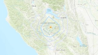 A USGS map shows the location of a 3.5 magnitude earthquake in northern Sonoma County.