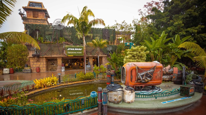 A New Star Wars Trading Post Lands at Downtown Disney