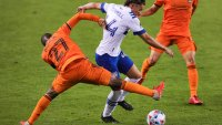 Dynamo Open MLS Season With 2-1 Victory Over Earthquakes
