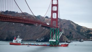 The Zhen Hua transports a new ship-to-shore crane (STS) to the Ben E. Nutter terminal at the Port of Oakland.