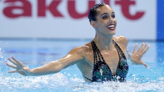 Ona Carbonell performing in pool