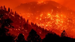 Dixie Fire burns California