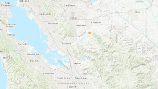 Map showing epicenter of earthquake near Livermore.