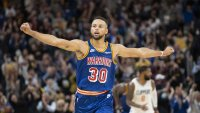 Warriors' Steph Curry Scores 45, Continues to Blow Away Steve Kerr