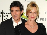 "Antonio Banderas & Melanie Griffith Talk ""Shrek"" & Raising Kids In Hollywood"