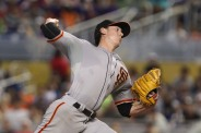 Wild Pitch Costs Giants, Marlins Win 3-2