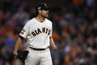 Giants Fall to Cubs in Game 4 of NLDS, Ending Their Season