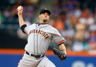 Giants Support Vogelsong, Beat Mets 5-1