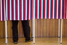 Many Choices, Late Decisions as N.H. Votes