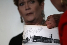 Roy Moore Accuser Says She Added Notes to Yearbook Message