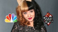 """""""The Voice"""" Star Talks Time on Show"""