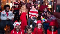 Mariah Carey, Jimmy Fallon Sing Christmas Classic