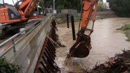 Storm Debris Removed from Rising San Francisquito Creek