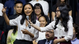 'Let's See What You Got': Obama to Vietnamese Rapper