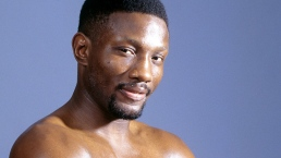 Boxing Champ Pernell 'Sweet Pea' Whitaker Dead at 55