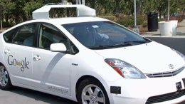 "CA Mulls How to Regulate ""Driverless Cars"""