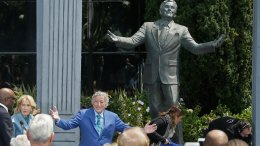Tony Bennett Immortalized With Statue in SF