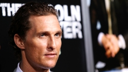"Matthew McConaughey's Mom: ""Lincoln Lawyer"" is ""So Hot"""