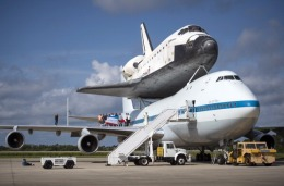 Images of the Space Shuttle Endeavour