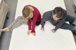 Should You Buy a Mattress Online or in the Store?